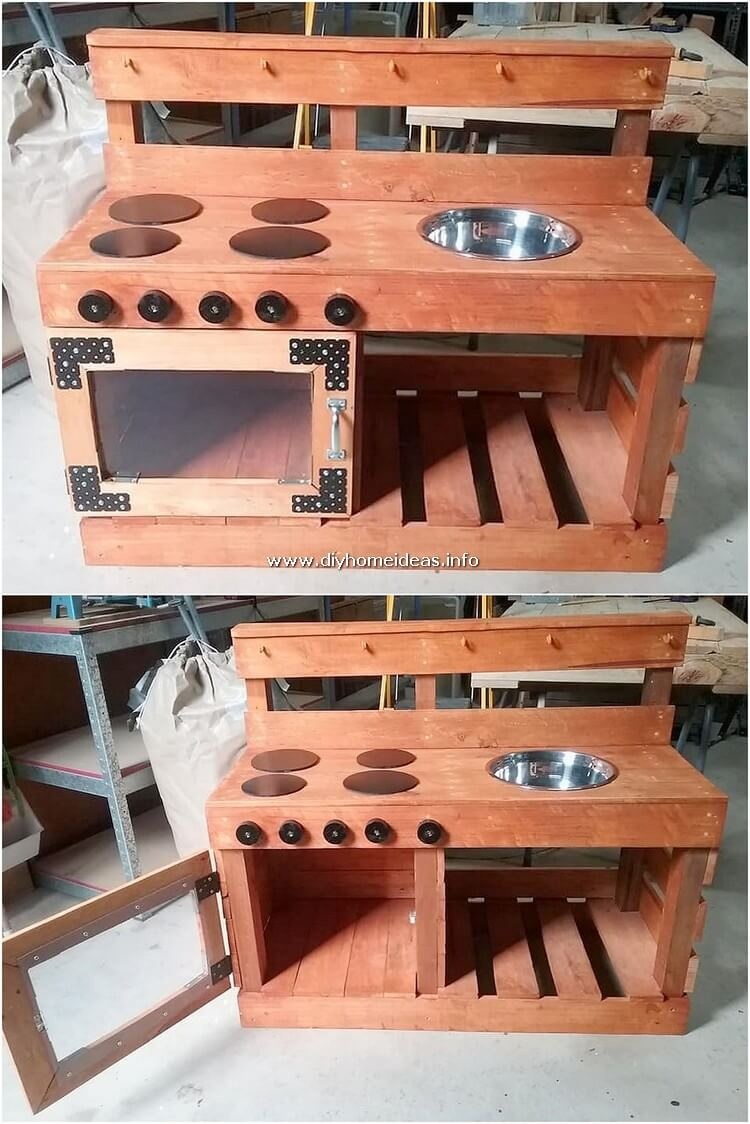 Pallet Kitchen for Kids