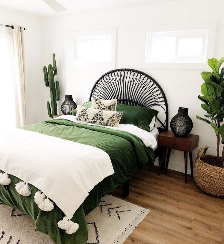 Charming Bohemian Bedroom Decor (12)
