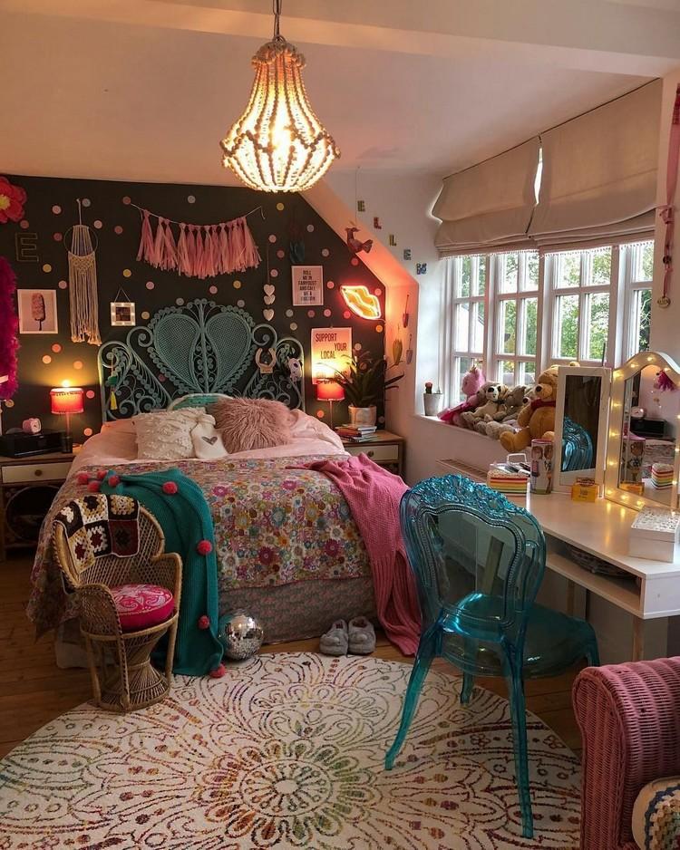 Charming Bohemian Bedroom Decor (17)