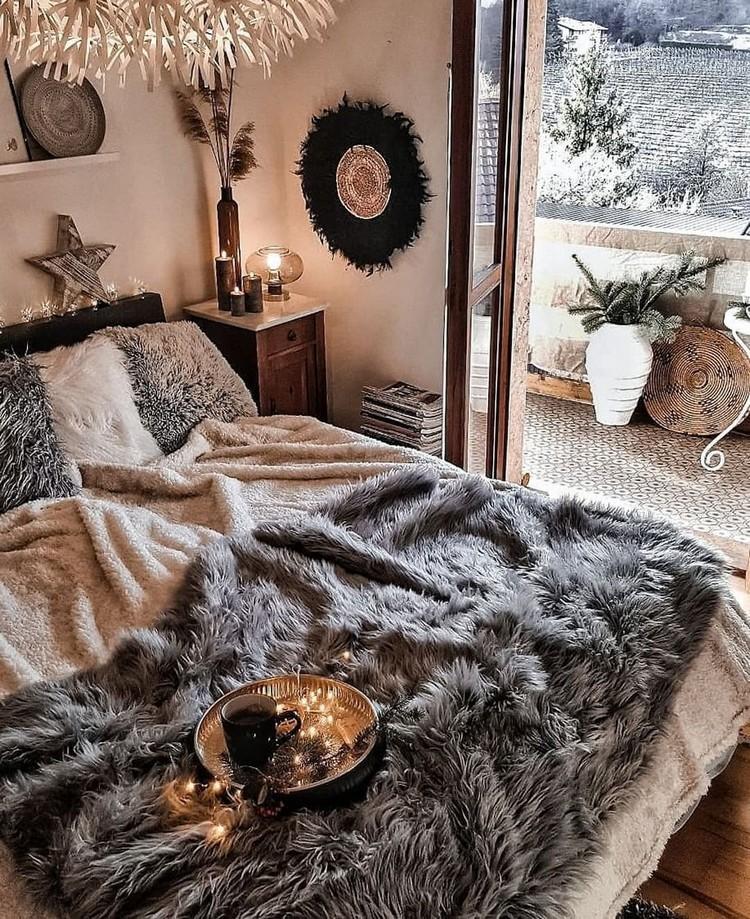 Charming Bohemian Bedroom Decor (18)