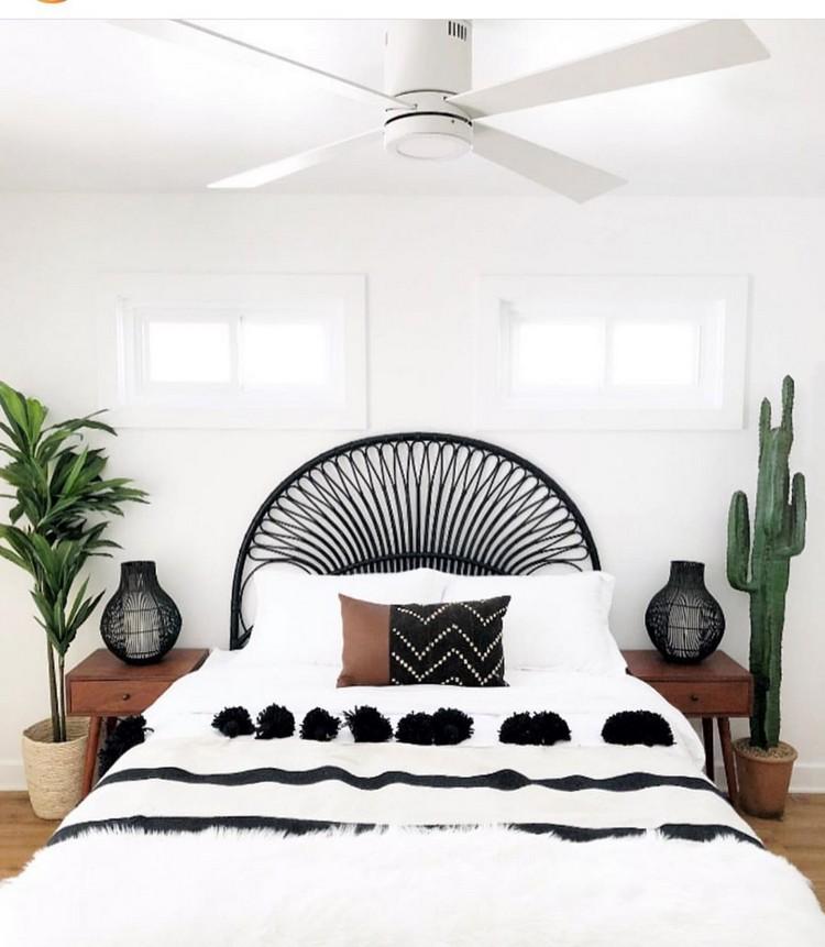 Charming Bohemian Bedroom Decor (19)