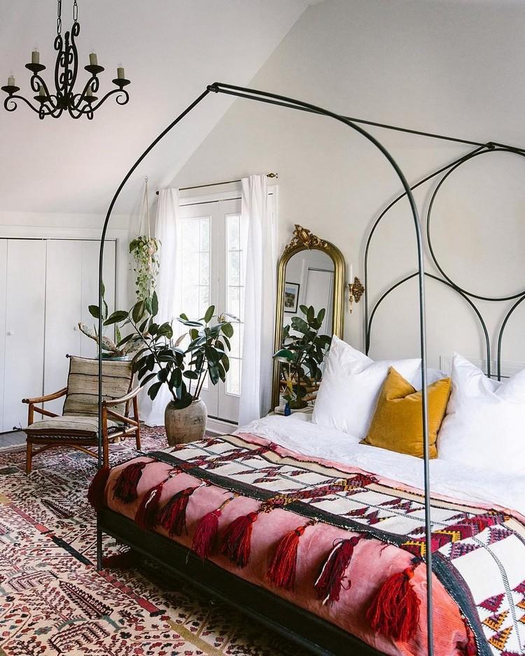 Charming Bohemian Bedroom Decor (2)