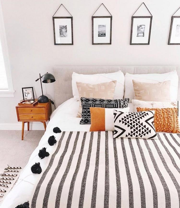 Charming Bohemian Bedroom Decor (23)