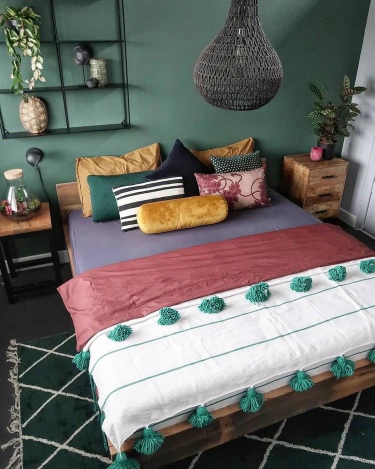 Charming Bohemian Bedroom Decor (5)