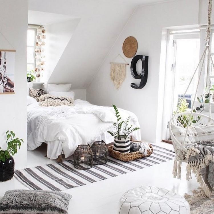 Charming Bohemian Bedroom Decor (7)