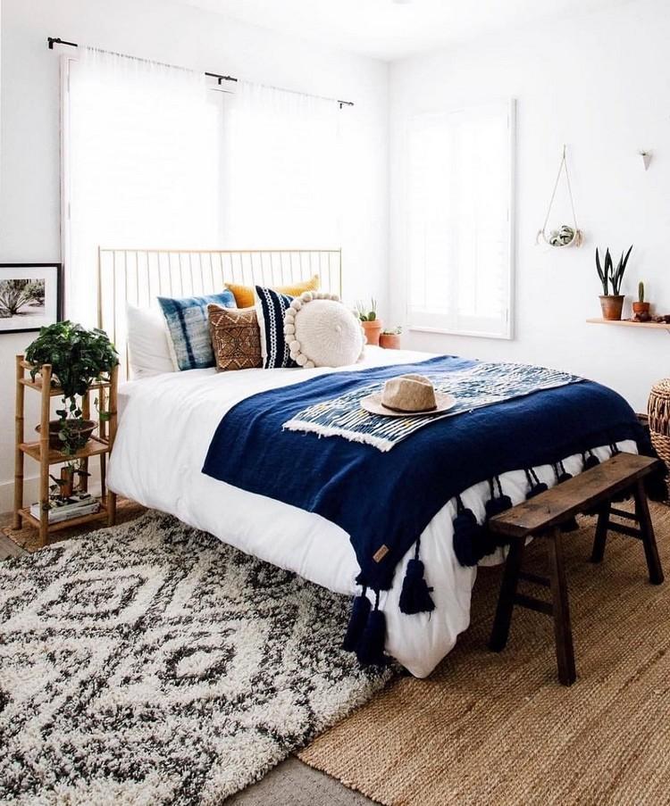 Charming Bohemian Bedroom Decor (9)